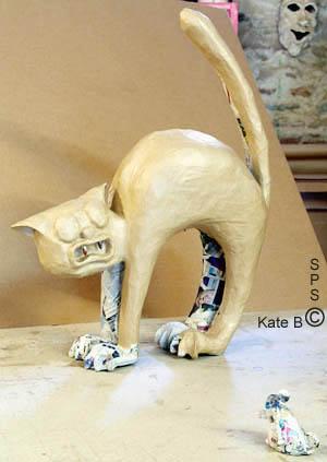 composition en papier monstre rigolo et chat effray 233