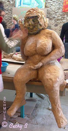 Grosse Femme Photo sculpture d'une grosse femme en papier maché